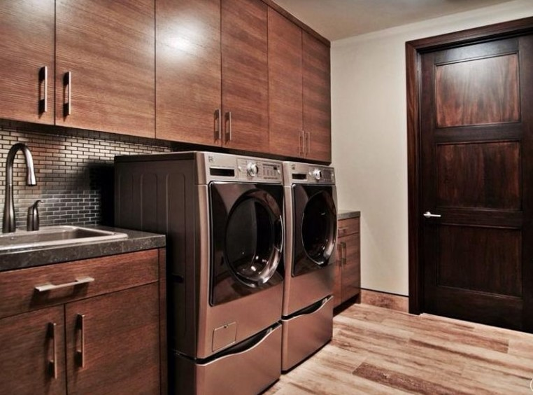 Laundry Room with Wood Grains