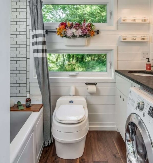 Tiny house bathroom designs that will inspire you microabode - 37 Tiny House Bathroom Designs That Will Inspire You