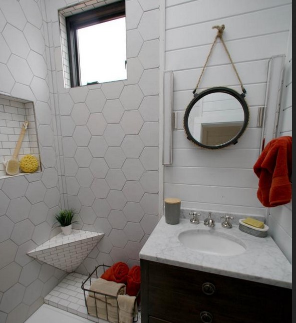 lovely tiny house bathroom