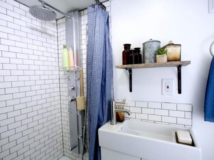 mirror no mirror tiny bathroom ideas