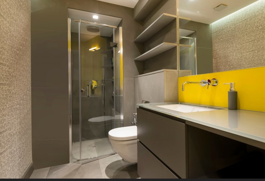 yellow Atlanta Basement Bathroom
