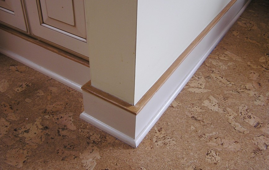 Composites baseboards