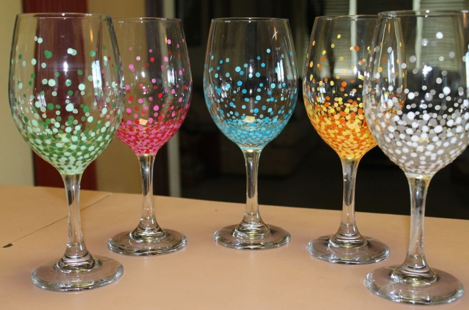 Colorful dots on the glass wines