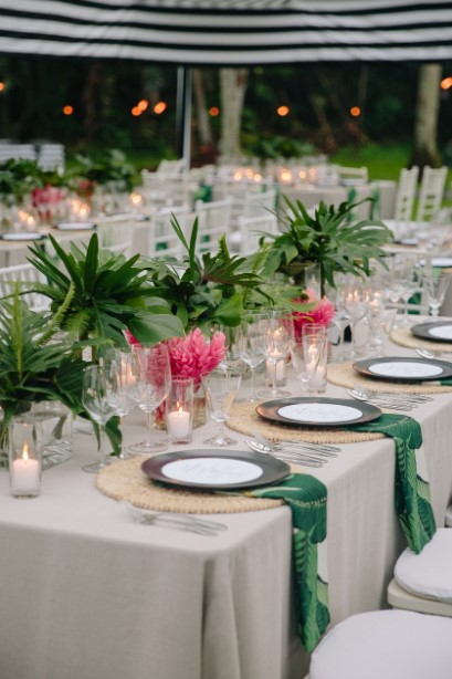 Fresh Green Tropical Leaves Wedding Centerpieces