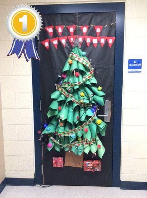 Christmas tree on the door