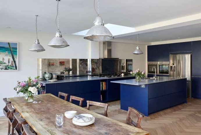 Classic Navy-Blue Kitchen Cabinet