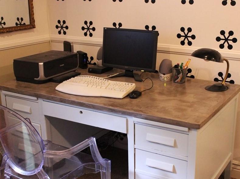 DIY Concrete Surfaced Computer Table