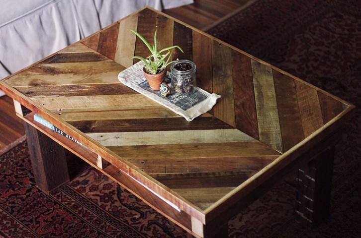 Fish-bone table