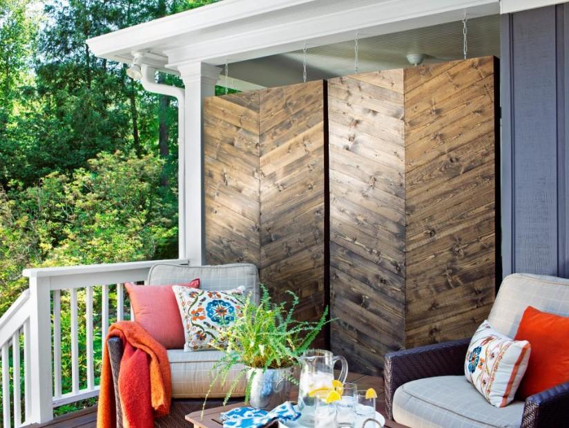 Hanging Outdoor Screen Ideas