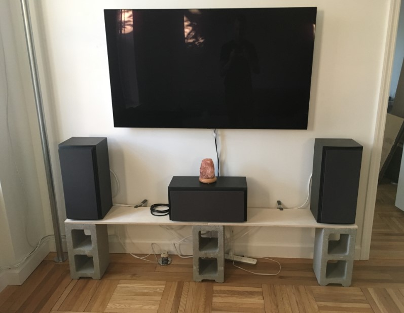 Cinderblock Speaker Stand