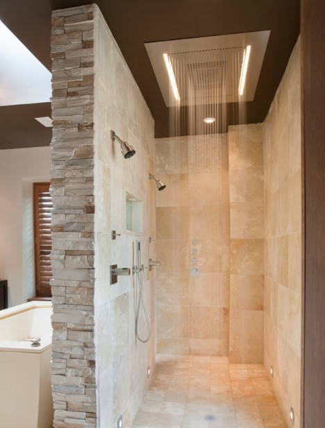 Clean doorless shower Design