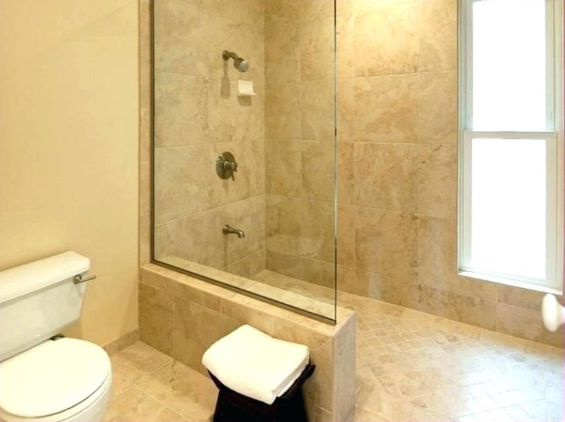 Doorless shower with windows