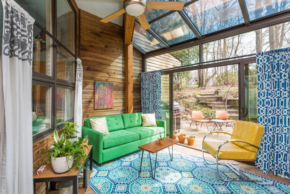 Exciting Multicolor Sunroom Design