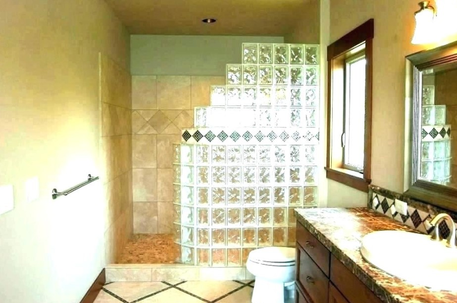 Glass and tile doorless shower