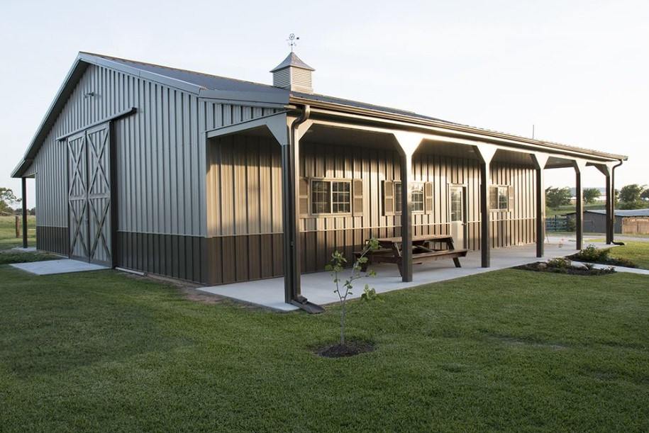 Metal barn house