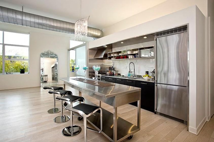 Metallic kitchen layout