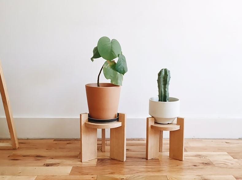 Oak wood plant stand