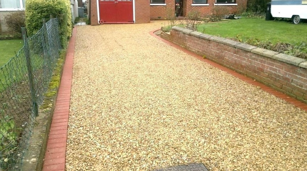 Red lining driveway Ideas