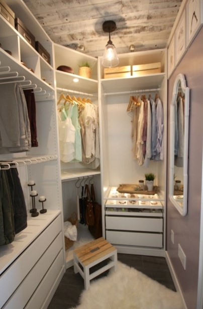 Small-space walk in closet