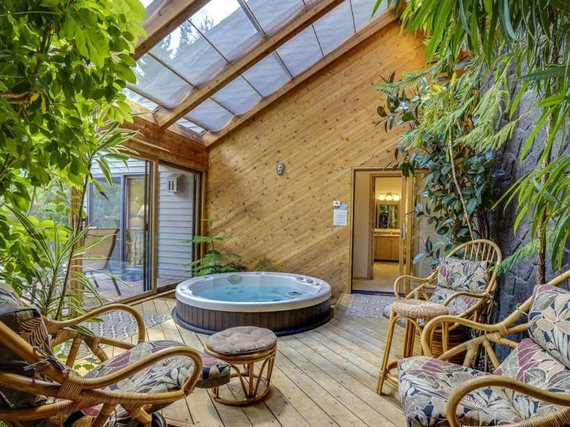 Sunroom with Hot Tub Inside