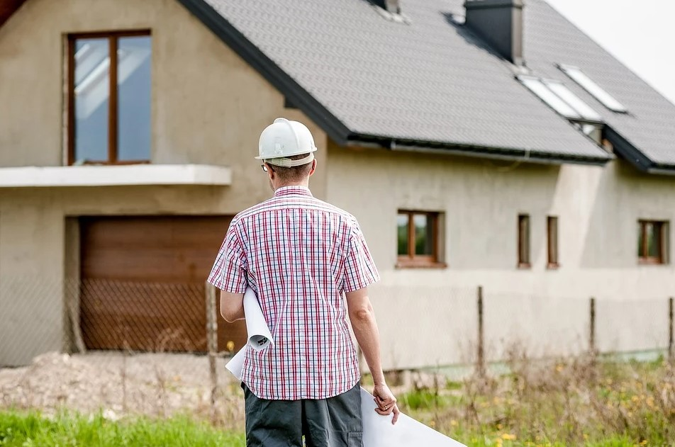 What Are the Different Types of Contractors