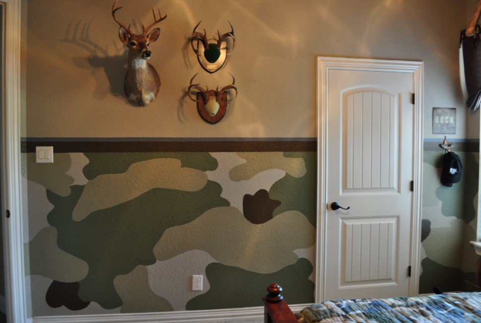 Painting your wall camouflage colors
